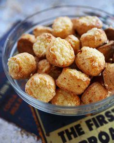 A kedvenc pogácsa receptem | Street Kitchen Naan, Pretzel Bites, Great Recipes, Cereal, Cookies, Breakfast, Ethnic Recipes, Food, Street