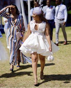 #inspiration La tenue du jour nous vient d'Afrique du sud ! Votre avis ? (Après vérification ce n'est pas une robe de mariée 😉) 📸 @lwogqoyi Dress by @quiteria_george : ; #ghanagirlskillingit #engagement #engagementphotos #ghanaianbride#theknot #theloveofmylife #ghanaphoto#preweddingshoot #shoes #them. #weddinggown #ghanabride #kentecloth #culture #ghanawedding #mua #nigerianwedding #wedding #weddingdress #weddinggown #brides #weddings #engaged #photos #photography #weddingphotographer ... Ghana Wedding, Event Dresses, Wedding Dresses, October Wedding, African Wear, I Dress, Stylish Outfits, Marie, White Dress