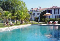 Le Carré Bleu - sleeps 21.  10K from beaches at Biarritz 8,000 pounds