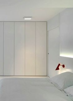 Resultado de imagen de floor to ceiling built in wardrobe Wardrobe Doors, Bedroom Wardrobe, Closet Bedroom, Bedroom Storage, Home Bedroom, Bedroom Furniture, Master Bedroom, Built In Wardrobe Ideas Sliding Doors, White Wardrobe