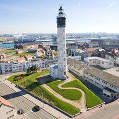 Phare Calais. Lighthouse Calais.