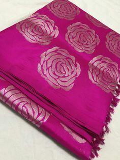 Saree Tassels Designs, Half Saree Designs, Saree Blouse Neck Designs, Saree Blouse Patterns, Simple Sarees, Trendy Sarees, Saree Color Combinations, Kanjivaram Sarees Silk, Silk Sarees Online Shopping
