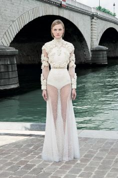 givenchy-couture-inv-2011
