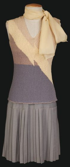 """Short-sleeve knee-length """"flapper"""" style dress worn by Debbie Reynolds as """"Kathy Seldon"""" in Singin' in the Rain Hollywood Costume, Hollywood Fashion, Hollywood Style, Theatre Costumes, Movie Costumes, Musical Theatre, Rain Costume, Vintage Outfits, Vintage Fashion"""