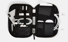 incase Flight Nylon Accessory Organizer - Keeping your pockets full is easy enough, but organizing everything else that goes into your EDC i Military Flights, Mobile Office, Office Accessories, Everyday Carry, Laptop Sleeves, Carry On, Slip On, Pairs, Organization