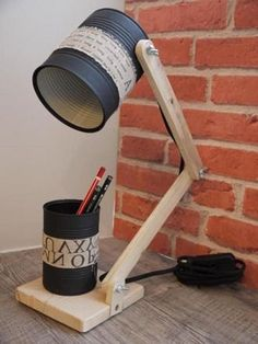 Recycling Metal and Wood for Unusual Home Decorating is part of Diy lamp - Recycling comes so naturally to creative and artistic people Creation Deco, Ideias Diy, Wood Lamps, Diy Desk, Design Crafts, Desk Lamp, Wood Crafts, Decor Crafts, Diy Crafts
