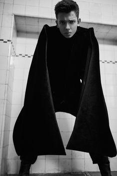Asa Butterfield for Schön! Magazine. #photography #gomezdevillaboa #asabutterfield #asabopp #schonmagazine #menswear #b&w