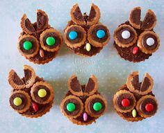 owl cupcake ( in Polish) Owl Bulletin Boards, Origami Owl Parties, Owl Cupcakes, Oragami, Party, Polish, Google Translate, Sweet Tooth, Drink