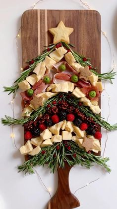 Christmas Entertaining, Christmas Party Food, Christmas Dishes, Christmas Brunch, Xmas Food, Christmas Appetizers, Christmas Sweets, Christmas Cooking, Charcuterie Gifts