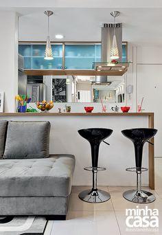 Sete jeitos charmosos de decorar o canto do sofá | Minha Casa