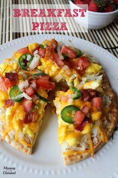 Have a little twist with breakfast and make a yummy Breakfast Pizza!