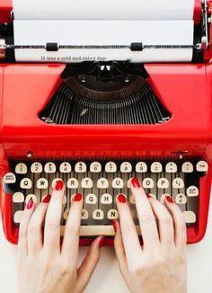 Imagem de red, typewriter, and nails