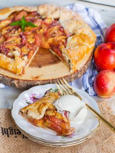 Easy Peach Galette A La Mode - Tatyanas Everyday Food Cuisinart Food Processor, Food Processor Recipes, Peach Galette Recipe, Tatyana's Everyday Food, Peach Pie Recipes, Peach Crumble, Tart Filling, Peach Juice, How To Make Pie