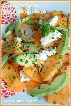 Melon, Mozzarella & Avocado Salad - Just a snack - I offer you this little summer salad that we really appreciated ! The fresh melon as a starter is - Quinoa Salad Recipes, Salad Dressing Recipes, Raw Food Recipes, Easy Dinner Recipes, Cooking Recipes, Healthy Recipes, My Favorite Food, Favorite Recipes, Mozzarella Salat