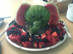 Watermelon elephant fruit tray, this was made for a baby shower . - Regina Loschitz - Watermelon elephant fruit tray, this was made for a baby shower . Watermelon elephant fruit tray, this was made for a baby shower Baby Shower Cakes, Baby Shower Parties, Baby Shower Themes, Baby Shower Decorations, Shower Party, Baby Shower Foods, Baby Shower Fruit Tray, Baby Shower Watermelon, Baby Decor