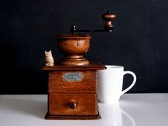 Rustic Manual Coffee Grinder With All Wooden Body & Emblem - Vintage Dutch…