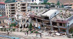 Estas son las consecuencias de un terremoto. Un terremoto puede destruir casi toda la ciudad o algunas casas y edificios.