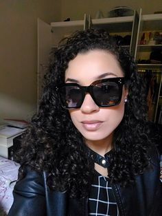 "🕶️ Kim Kardashian Flat Top Sunglasses 🌸 Super sale 15% extra discount on all sunglasses use the code ""SUN"" ✈️+ Free Shipping Anywhere!! 🌍See more in https://www.simplyuniquestyle.com/kim-kardashian-flat-top-sunglasses/"