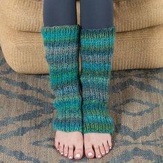 Pattern of the Week: Make These Leg Warmers in a Flash (dance – Knitting patterns, knitting designs, knitting for beginners. Crochet Leg Warmers, Crochet Socks, Knitting Socks, Baby Knitting Patterns, Knitting Designs, Leg Warmer Knitting Pattern, Knitting For Beginners, Alex Owens, Boot Socks