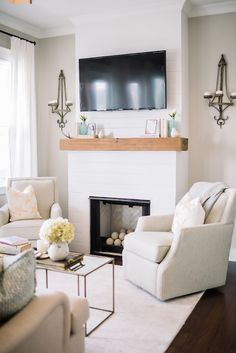 Cozy, neutral living room | Dear Wesleyann