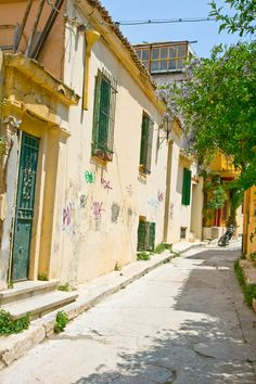 Anafiotika, Plaka, Athens, Greece My Athens, Athens Greece, Terceira Azores, Greek Life, Ancient Greece, Cyprus, Pathways, Bridges, Places Ive Been