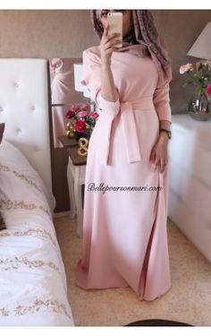 Robe Hawa en Émeraude Hijab Ideas, Modele Hijab, Hijab Style, Muslim Dress, Bridesmaid Dresses, Wedding Dresses, Hijab Outfit, Muslim Women, Traditional Dresses