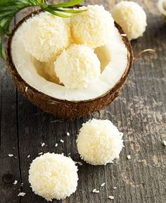 Lemon & Coconut Bliss Balls - a yummy Vegan and Tropical snack! Healthy Desserts, Raw Food Recipes, Just Desserts, Sweet Recipes, Delicious Desserts, Dessert Recipes, Cooking Recipes, Yummy Food, Healthy Recipes