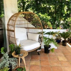 The Southport Patio Egg Chair from Opalhouse™ is a fun and unique addition to any outdoor living space. Large and visual Egg Swing Chair, Swinging Chair, Egg Chair, Boho Living Room, Living Room Chairs, Living Spaces, Dining Room, Patio Chairs, Outdoor Chairs