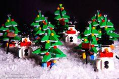 Photo of the Day – A Lego Christmas Lego Lego, Lego Moc, Lego Christmas, Xmas, Lego Winter Village, Lego Boards, Lego Builder, Lego Photography, Harry Potter Diy