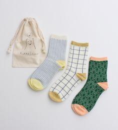je ne sais pas ou les trouver mais c'est le genre de chaussettes que j'aime