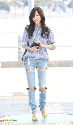 Taeyeon Taeyeon Fashion, Ulzzang Fashion, Kpop Fashion, Korean Fashion, Girl Fashion, Fashion Outfits, Womens Fashion, Airport Fashion, Airport Style