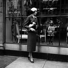 1955 © Vivian Maier/Maloof Collection