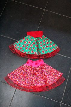 Georgeous Sew an Easy Fabric Purse for Kids Ideas. Exhilarating Sew an Easy Fabric Purse for Kids Ideas. Little Girl Skirts, Little Dresses, Girls Dresses, Love Sewing, Sewing For Kids, Baby Sewing, Diy Clothes And Shoes, Sewing Clothes, Cute Kids Fashion
