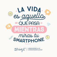¿Cuántas horas al día dedicas a mirar el móvil? #quote #mrwonderful