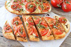 Food blog - Caprese Garlic Bread