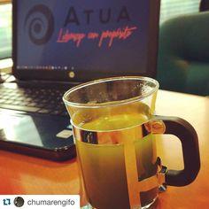 Nos siguen llegando fotos de nuestros consumidores de #TéMatcha... Aquí @chumarengifo desde su puesto de trabajo!  10 veces más antioxidantes que un té verde tradicional www.matchachile.com