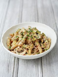 Mushroom & cauliflower penne Looked ugly, tasted nice. Replaced ricotta with some white sauce.