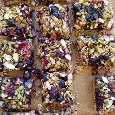 Blueberry Oat Breakfast Bars Makes 15 bars Ingredients: Crust: 2 cups rolled oats (dry) I use gluten-free 1 cup sliced almonds 6 Tbsp raw honey, or pure maple syrup 2 Tbsps unrefined coconut oil 1 tsp sea salt tsp cinnamon 2 medium bananas 2 tsp vanill Clean Eating Breakfast, Breakfast Bars, Breakfast Ideas, Eating Clean, Clean Eating Recipes, Raw Food Recipes, Healthy Recipes, Clean Foods, Thm Recipes