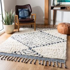Shop Safavieh Handmade Casablanca Shag Marjolein Tribal Wool Rug - On Sale - Overstock - 28991648 - x - Ivory/Navy Boho Home, Rectangular Rugs, Home Rugs, Online Home Decor Stores, Online Shopping, At Home Store, Handmade Home Decor, Beige Area Rugs, Rugs In Living Room