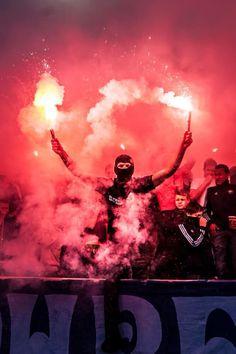 сс Football Hooliganism, Football Casuals, Polish Tattoos, Ultras Football, Red Star Belgrade, Smoke Bomb Photography, Tattoo Bein, Protest Posters, Street Fights