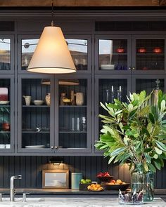 Townhouse Living With Traditional And Modern Design townhouse traditional and modern interior by kevin dankan 6 Interior Design Kitchen, Modern Interior, Interior And Exterior, Coastal Interior, Architecture Restaurant, Cabinet Decor, Beautiful Kitchens, Layout Design, Design Ideas