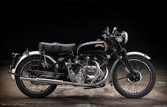 1951 Vincent Black Shadow - Great looking bikes - Trend Frauen Fahrrad British Motorcycles, Honda Motorcycles, Vintage Motorcycles, Cars And Motorcycles, Moto Bike, Motorcycle Bike, Vincent Black Shadow, Vincent Motorcycle, Motorcycle Wedding