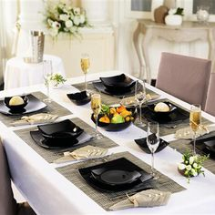 """No more ordinary table settings! With our """"Quadrato Black"""" collection you'll be saying, """"Hello fancy, and bye-bye boring!"""" #Luminarc #Elegant #Tableware"""