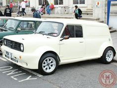 Love this Wide Arched Wednesday De-seamed Clubby Fronted Mini Van, I reckon a bigger/fatter set of wheels would suit it better but I still love it! Awesome chunky beast!