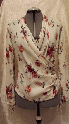 Floral Elegant V-Neckline Long Sleeve, Blouses - Apricot / XXL Casual Tops For Women, Blouses For Women, Women's Blouses, Blouse Styles, Blouse Designs, Black Denim Shirt, Good Woman, Floral Jeans, Floral Tops