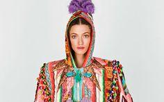Después de la semana de la moda porteña, el Designers Look BA continuó con las presentaciones de colecciones Primavera Verano 14/15, con pasarelas de lujo en el Tattersall de Palermo.