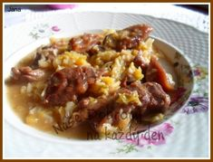 Recept Hovězí v česnekové kapustě - Naše Dobroty na každý den   Recepty online Chili, Soup, Beef, Meat, Chile, Soups, Chilis, Steak