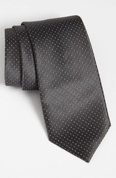 Simple and dark grey tie. FOR THE INTERVIEW