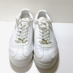 9229039f13c31f Puma Shoes - Women s white Puma Roma leather fashion shoes Puma Shoes  Women