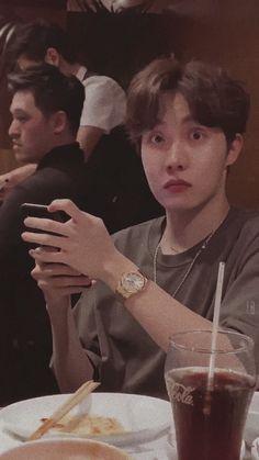 Jhope: Da Phuq u say! Bts Taehyung, Bts Bangtan Boy, Bts Jimin, Jung Hoseok, J Hope Selca, Bts J Hope, Foto Bts, J Hope Tumblr, J Hope Smile